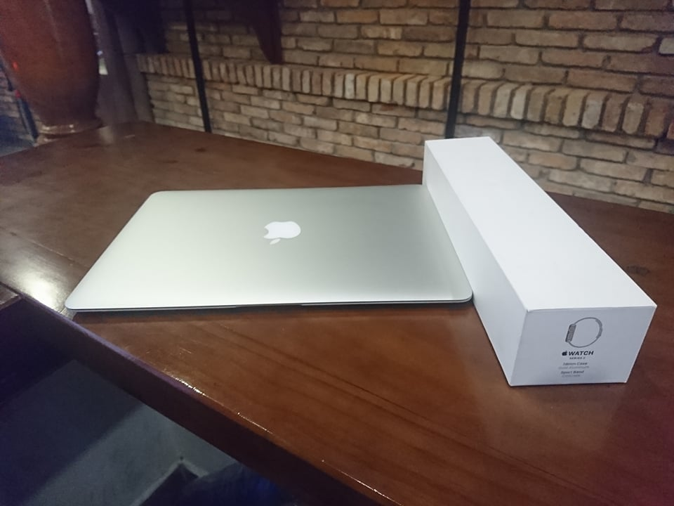 Macbook Air Mid 2013 - CPU i5-4250U - Ram 4GB - SSD 128GB